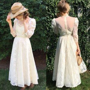 Vintage Handmade Lace 3/4 Sleeve Wedding Dress